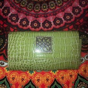 2/18✨ Crocodile Skin Jeun Bang Wallet🐊💚